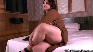 Latina mommys receive nasty in nylon hose