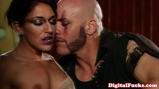 Brunette ffm threeway with lola foxx