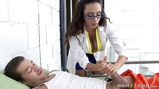Gorgeous latina in glasses serves Xander's fat cock