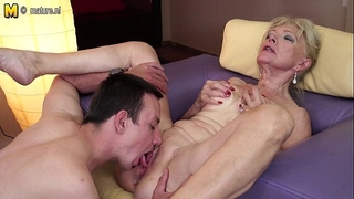 Horny granny fucking with youthful chap